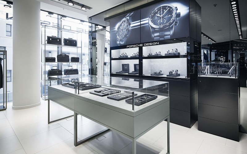 Münch+Münch Projekt Porsche Design Stadtquartier Q6Q7 Mannheim - Timepieces Wall und Showcase Table